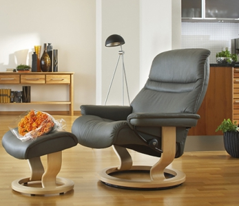 Stressless Sunrise mit Hocker – Medium